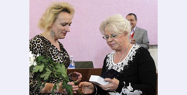 Лікарям «швидкої», які надають допомогу учасникам масових акцій, вручили відзнаки Київської міської профспілки працівників охорони здоров'я