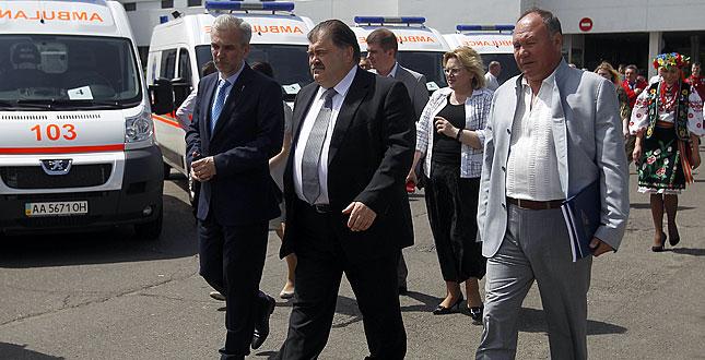 «Київмедспецтранс» отримав 20 нових автомобілів екстреної медичної допомоги «Пежо Боксер»