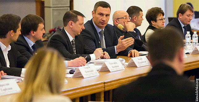 Муніципальні надбавки вчителям та лікарям будуть збережені – Віталій Кличко (+ презентації)