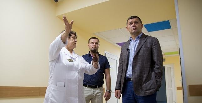 Вже восени маленькі пацієнти Київської дитячої лікарні №2 отримуватимуть медичну допомогу в оновлених приймальному відділенні та травмпункті – Микола Поворозник